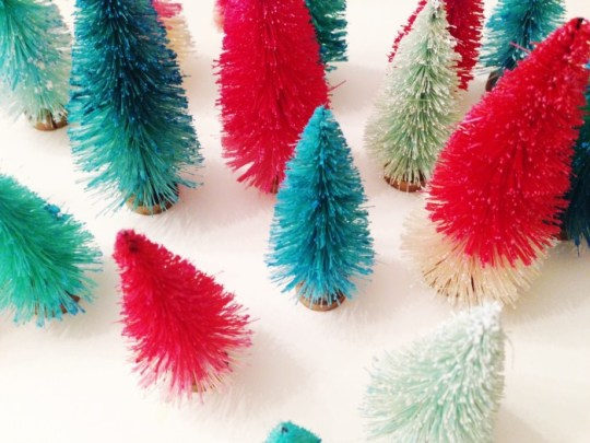 DIY colorful bottle brush trees | Holiday DIY | Oh Lovely Day
