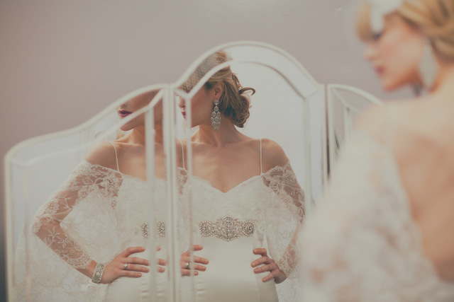 lovely bride in this modern wedding inspiration shoot | roey mizrahi events and amber gress photography