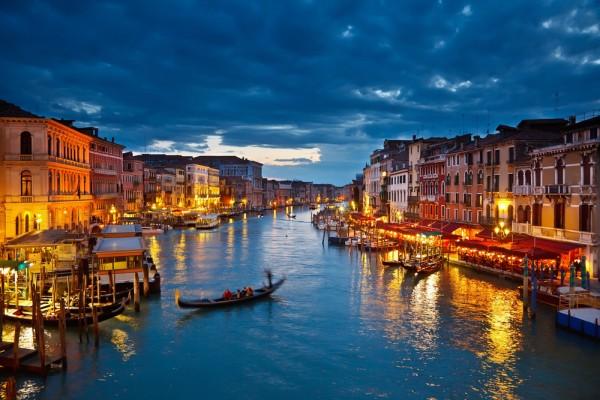 Honeymoon Regisry - Venice Canals - Honeymoon Pixie