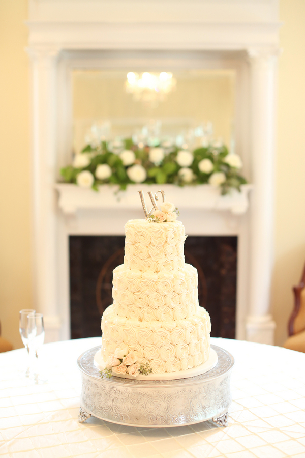 Relaxed Southern Wedding | J. Woodberry Photography & The Sonnet House, Cake by Magnificent Cakes